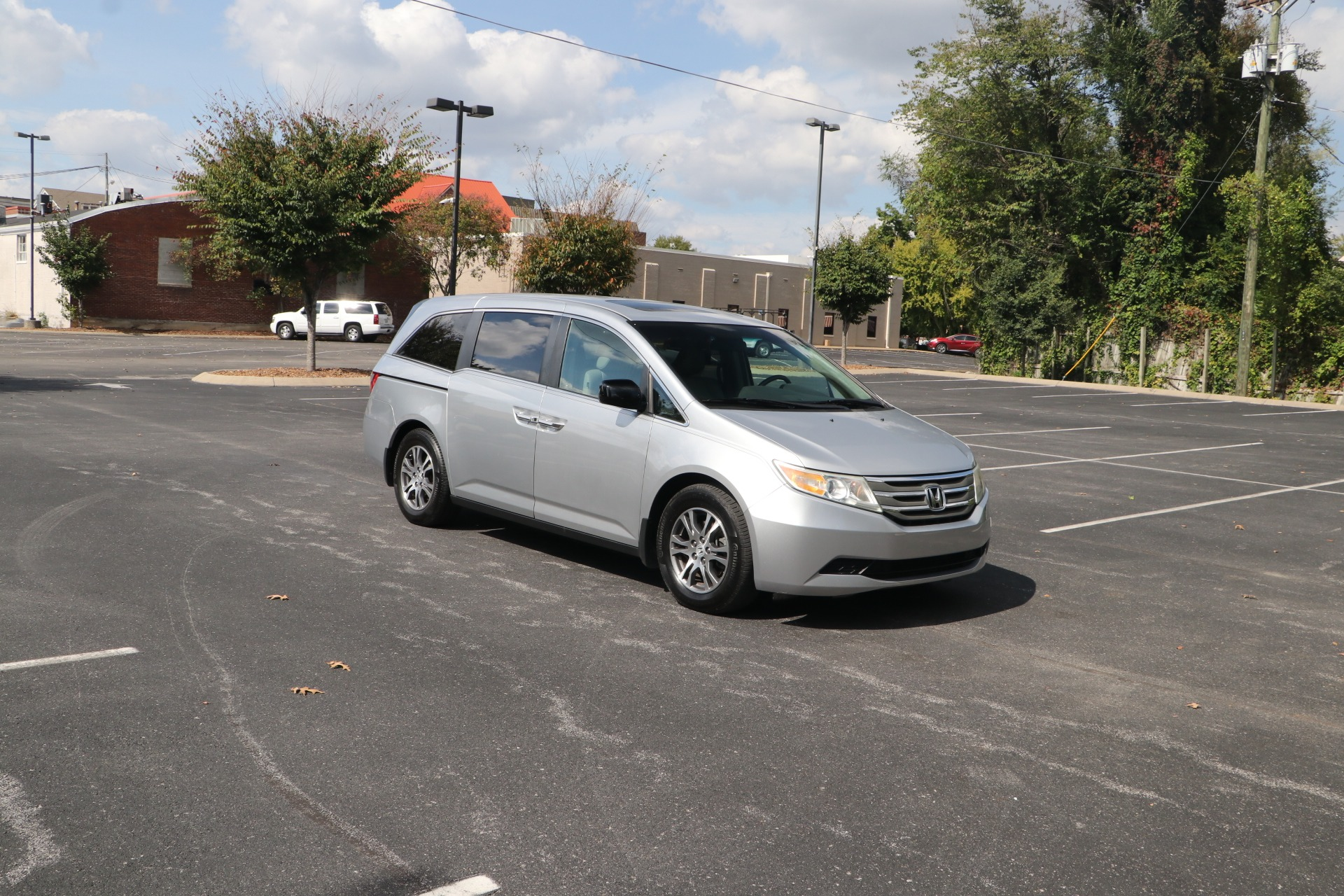 Used 2011 Honda Odyssey EX-L FWD for sale $11,950 at Auto Collection in Murfreesboro TN 37130 1